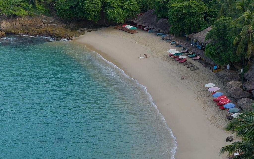Las 17 playas de los tres principales destinos turísticos: Puerto Ángel, Huatulco, y Puerto Escondido, se encuentran aptas para su uso recreativo