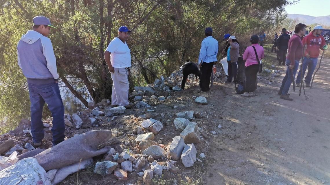 Participa Zaachila en tequio por el rescate del Río Atoyac