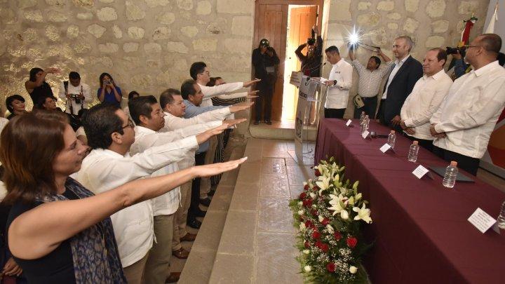 CRÓNICA EXPRÉS: ¿No es incongruente que un gobernador tome la protesta a funcionarios de Institutos Electorales, aunque sea Colegio?