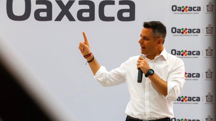 CRÓNICA POLÍTICA: Empieza la sucesión en Oaxaca