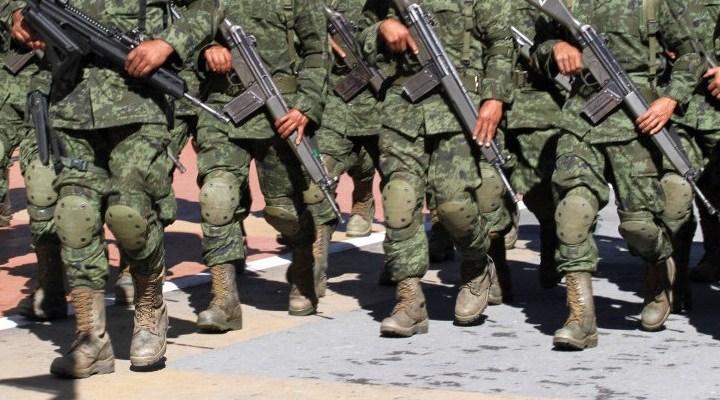 Sócrates A. Campos Lemus: El Ejército a las calles