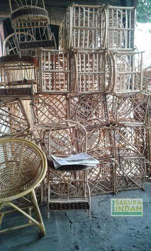 produksi-furniture-rotan-02