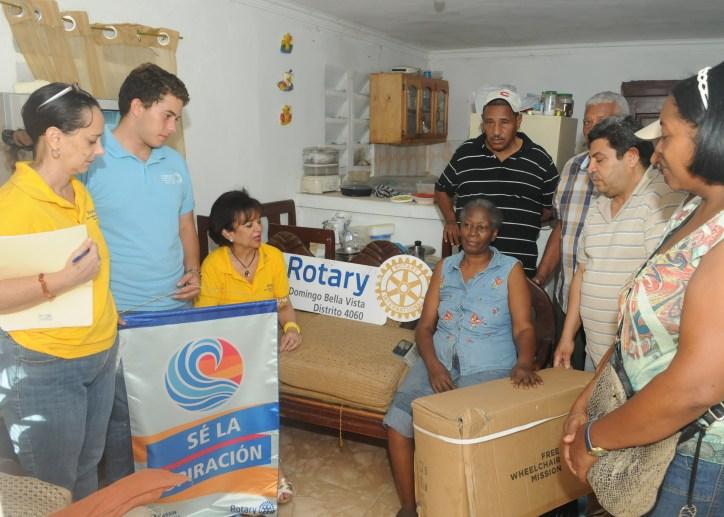 Donación Sillas de Ruedas Sector El Almirante