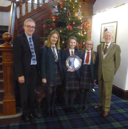Headmaster Simon Johnson, Meredith McGinley, Celeste Lynch,  and Chloe Dobbie with President Douglas