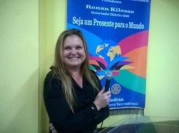 Nutricionista Simone Peron Gomes apresenta soluções prática sobre uma boa dieta alimentar.