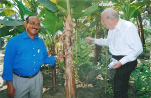 PDG Reinhard Fricke and PDG Chandramohan at the vegetable garden in 'Missionaries of the Word.'