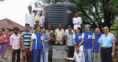 Rotarians with the villagers at the inauguration of the water tank.