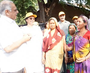 RID Desai and spouse Sharmishtha interact with the tribal villagers.