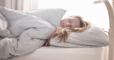 web-teenager-sleeping-RF-corbis