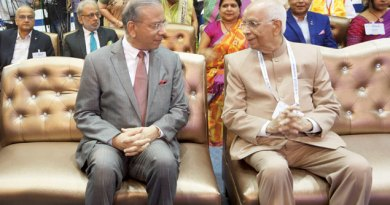 RI President K R Ravindran in conversation with the Governor of West Bengal  K N Tripathi.