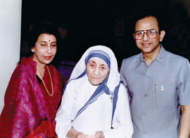 PRIP Rajendra K Saboo and Usha Saboo with Mother Teresa.