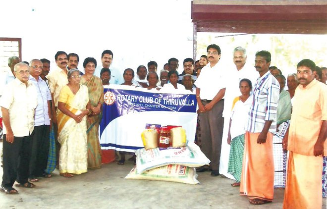 RC Tiruvalla RI District 3211 <br/> Food kits distributed to flood victims at relief camps in Tiruvalla.