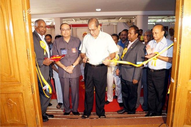 Mr N. Vaghul inaugurating the Joy of Giving Festival along with RI Director P.T. Prabhakar.