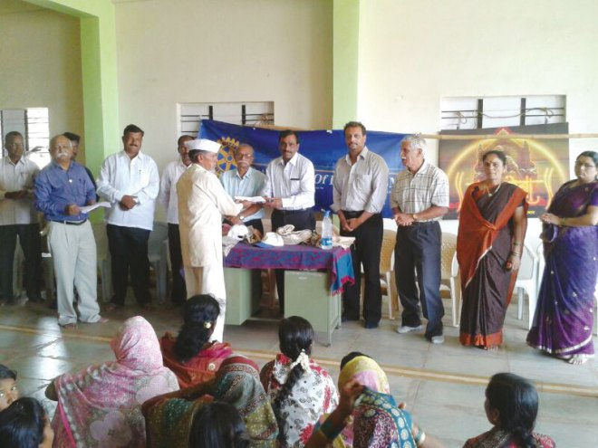RC Pune NIBM RI District 3131 Donation of Rs 10,000 for construction of toilets and gobar gas plants at Panawadi village.