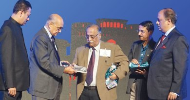 L to R: PDG Mahesh Kotbagi, PRIP Kalyan Banerjee, PDG Sudhir Rashingkar, PDG Somasekharan and PRID Shekhar Mehta.