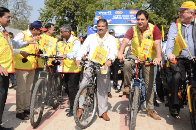 PRID Y P Das, ADGP R C Mishra, DG Raman Aneja and IPDG David Hilton participate in a cycle rally, as part of the Polio Day celebrations.