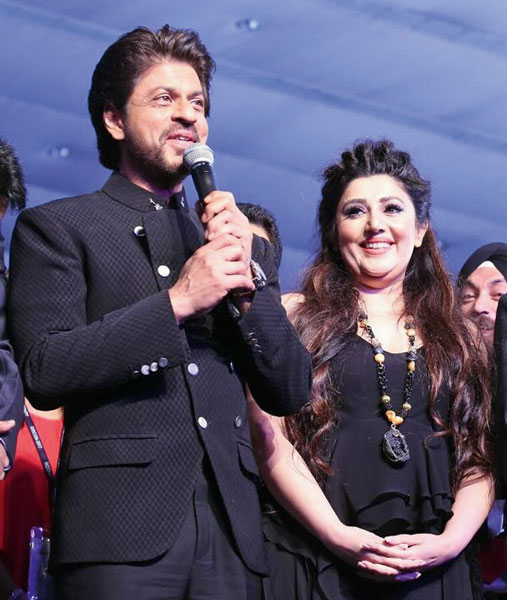Shahrukh Khan with designer Archana Kochhar.