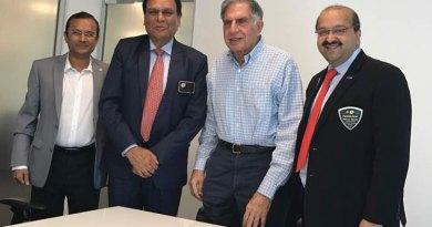 From L: TRF Support Avenue Chair Akkshay Mehta, DG Gopal Rai Mandhania, Chairman of the Tata Trusts Ratan Tata and Past President of RC Bombay Nirav Shah.