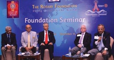 From Left: INPPC Chair Deepak Kapur, PRIP Kalyan Banerjee, Pakistan National PolioPlus Committee Chair Aziz Memon, TRF Trustee Sushil Gupta and PRIP Rajendra K. Saboo.