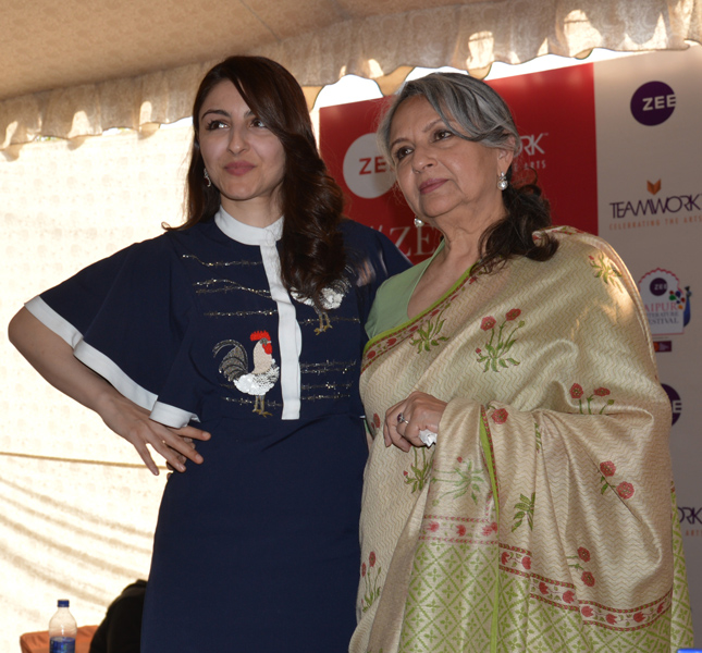 Sharmila Tagore (right) with daughter Soha Ali Khan Pataudi.