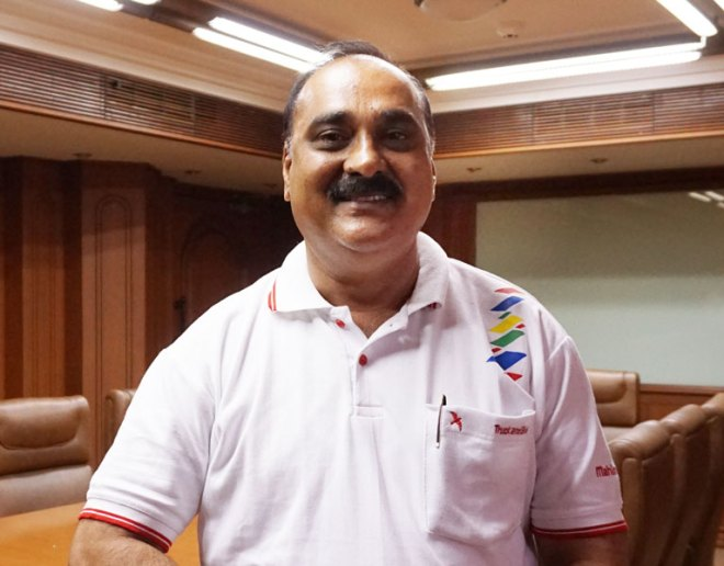 Vishnu S Mondhe Automobile dealer, RC Tuljapur, D 3132