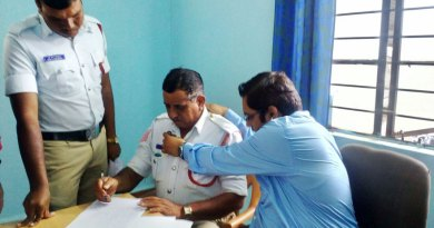 A traffic police being examined by the doctor.