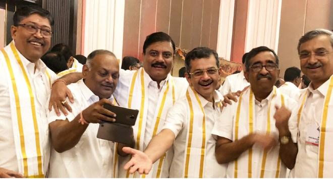 From L: DG Ashes Ganguly, Rtn Abhay Geed, PDG Atul Gargava, RIDE Bharat Pandya, PDGs T N Subramanian and Bansidhar S Dhurandhar.