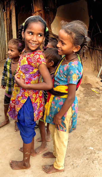 Children at the Saketri colony.