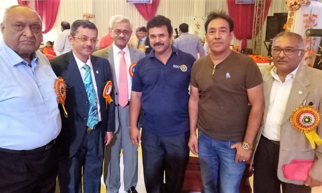 From L: RIDE Bharat Pandya, INPPC Chair Deepak Kapur, RC Moradabad Central President Anujj Agarwal, Club Secretary Shammi Puri and PDG Akhilesh Kothiwal.