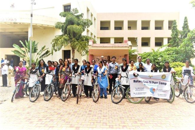Rotarians with the schoolchildren.