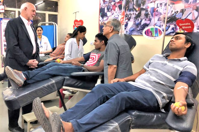 President Rassin and PRIP Saboo at the Rotary Blood Bank.