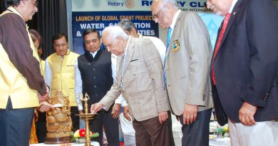 Honble-Governor-lighting-the-lamp
