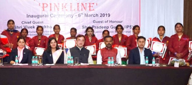 PDG Vivek Tankha (centre) and RC Bilaspur Queens  President Prerna Surana with beneficiaries of Project Pinkline.
