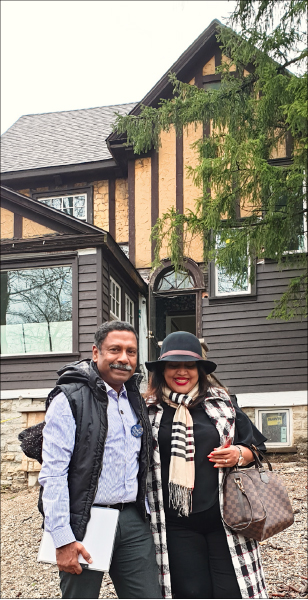 RC Bangalore Orchards President D Ravishankar and his wife Paola outside Paul Harris's home in Chicago.