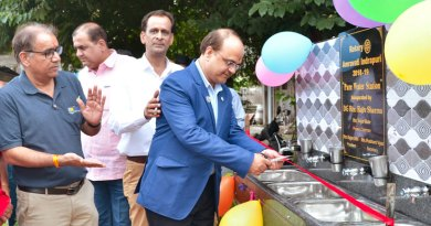 DG Rajiv Sharma inaugurating the handwash station in the presence of  Club President Rajan Subhash Silhi and AG Subhash Yadav.