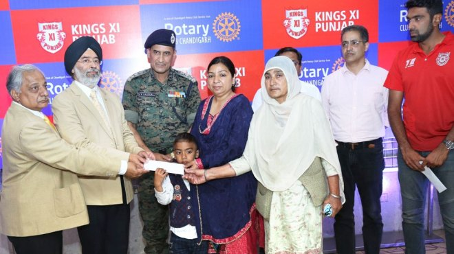 574---Rotary-honours-Pulwama-martyrs