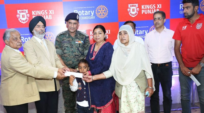 574---Rotary-honours-Pulwama-martyrs