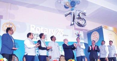 PRIP Kalyan Banerjee launches the celebrations with (from L) AG S Raghavendra, S Ramachandra Raje Urs, G S Sumeeth, PDGs P Rohinath, M Lakshmi Narayan, DG Joseph Mathew, Club President Chetan Viswanath and Secretary Ravishankar.