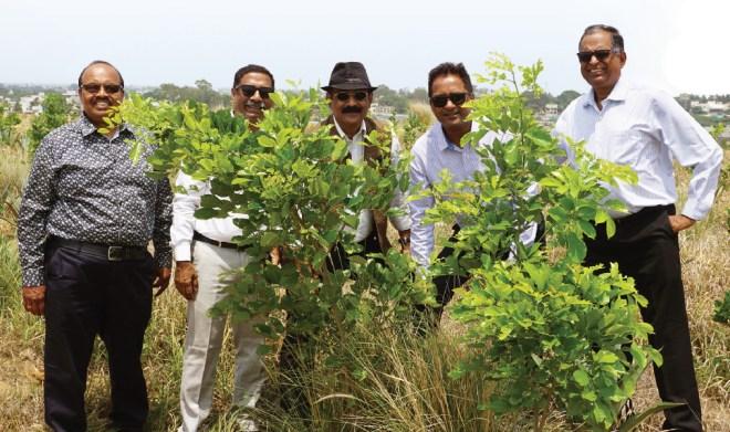 RC Bangalore Orchards past president D Ravishankar along with (from left) K S Govindaraj, Prakash Hegde, Neil Michael Joseph and Ramesh Chari.