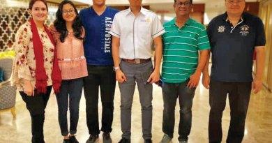 From R to L: Syed Rezda Shah, Talkin Zamindar, RC Kuala Lumpur DiRaja President Zed Zariman, Zuhayr Zamindar, Zunera Zamindar and Rizwana Zamindar.