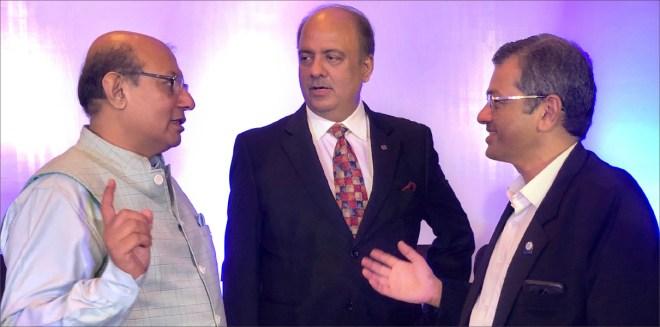 With RIDs Kamal Sanghvi (L) and Bharat Pandya (R).
