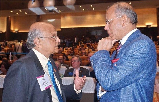 TRF Trustee Gulam Vahanvaty and Trustee Chair Elect KR Ravindran.
