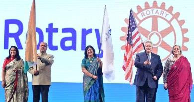 From L: Rashi, RIPN Shekhar Mehta, Sonal Sanghvi, RI President Mark Maloney and Gay.