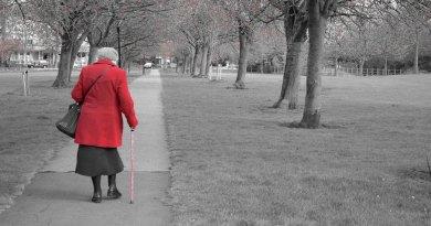 walking_old_people_coat_age_park_walk_background-1254796