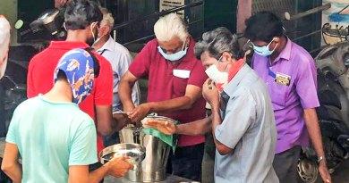 RC-Madras-Marina-feeds-migrants-at-shelter-camps