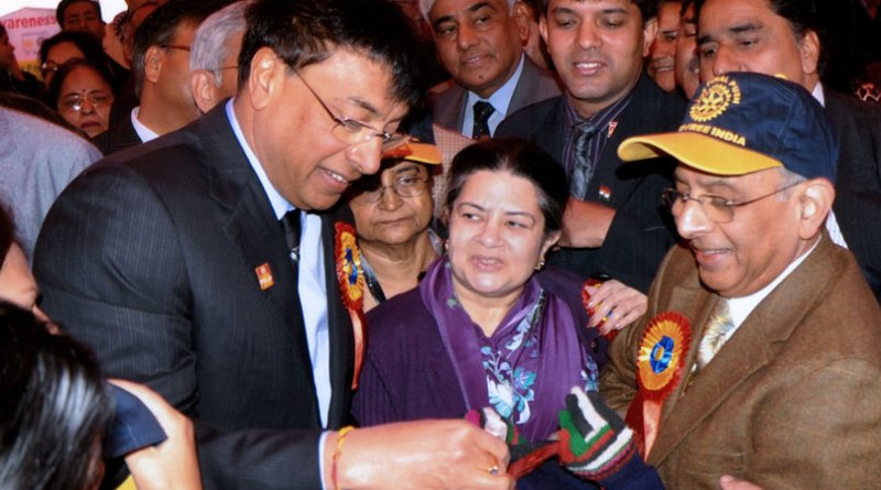 File photo of a polio vaccination drive in India. (From L) Industrialist Lakshmi Mittal, Aditya Birla group social initiatives chairperson Rajashree Birla and PRIP Rajendra Saboo. Also seen in the picture are Binota Banerjee and PDG Ramesh Chander.