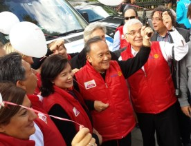 RI President Gary Huang firing the race starting pistol
