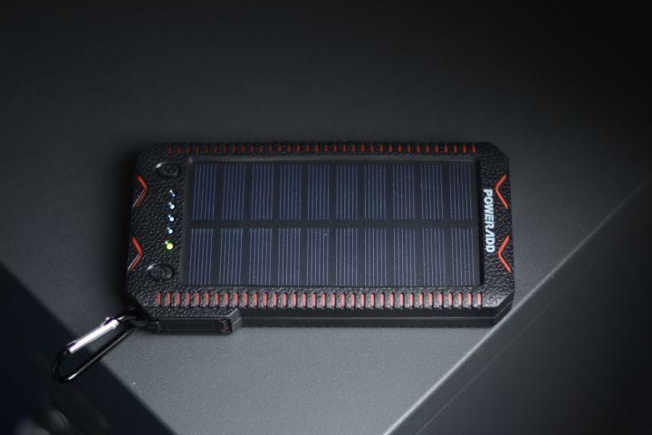 Poweradd Apollo 2 : une batterie externe solaire indestructible !