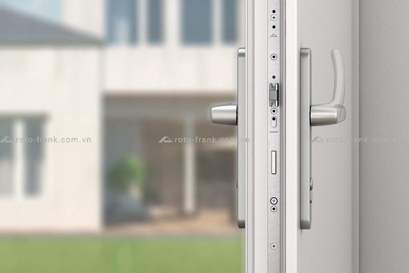 khóa cửa đi