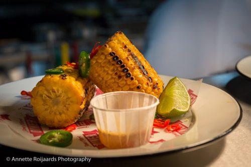 Corn on the cob bij Jamie's Diner